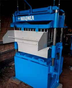 Maquina Bloquera con Desmoldeo Automatico